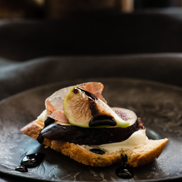 Fig, prosciutto and marscapone crostini
